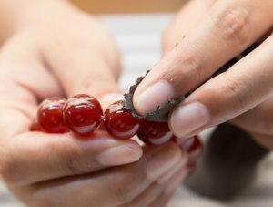 Nettoyage d'un bijou d'Ambre