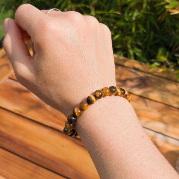 Bracelet oeil de tigre porté
